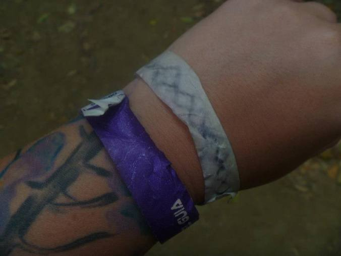 whoever thought wristbands were a good idea at the beach is a moron.
